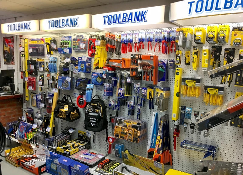 Elmbridge Supplies Trade Counter Christmas Deals
